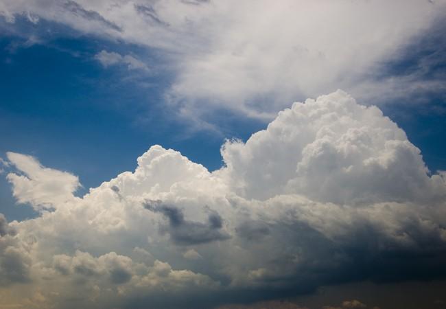 متوسط الحالة الجوية في مكان ما خلال فترة زمنية محددة