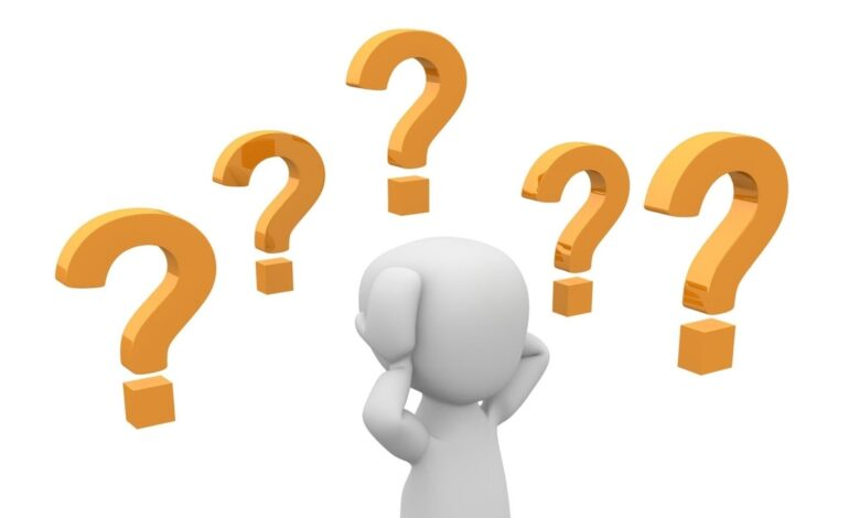 والد سالم يريد شراء سيارة وعليه أن يختار نوعي المحرك والجسم ، إذا كان المحرك به 4 سلندرات ، 6 أو 8 سلندر ، والجسم ببابين أو أربعة أبواب. عدد النواتج الممكنة لتحديد المحرك والهيكل يساوي