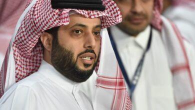 موسيقار ويعرف بلقب عميد الفن السعودي.. وأول عربي حاصل على جائزة اليونيسكو الدولية للموسيقى والسادس عالميًا وجوائز وتكريمات أخرى عديدة.. فمن هو؟