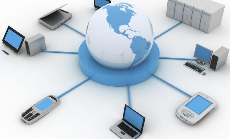 اتصال جهازَي حاسب أو أكثر، لتبادل البيانات، والاشتراك في المصادر، هو تعريف ل ؟