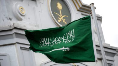 قاد الإمام محمد بن سعود عدد من حملات التوحيد، وتمكن من ضم العيينة فقط. صواب خطأ